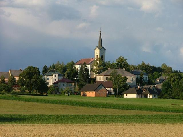 Pohled na studenecký kostel