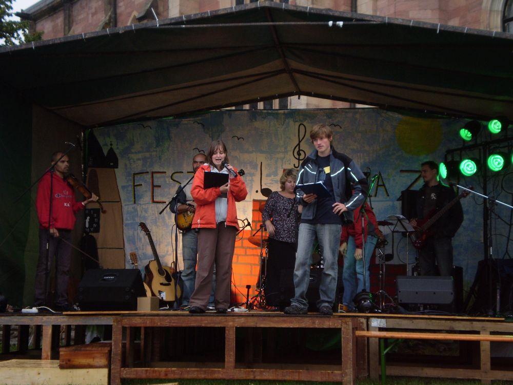 1a4448045b9cba Copak nám to Maruška asi říkala  festival za zdi 2009 11. »